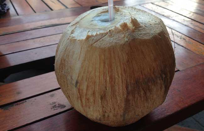 喝椰子水有什么好处?