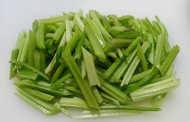 冬季大棚芹菜病害防治