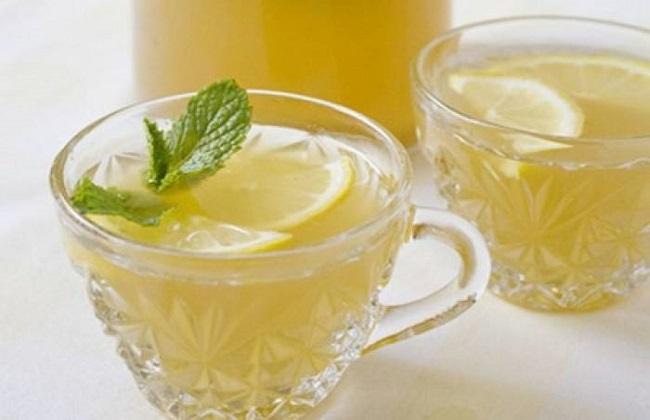 蜂蜜水正确的喝法及饮用禁忌