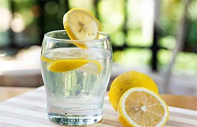 柠檬水的功效与作用及禁忌