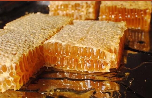 蜂蜜作用与功效  蜂蜜功效